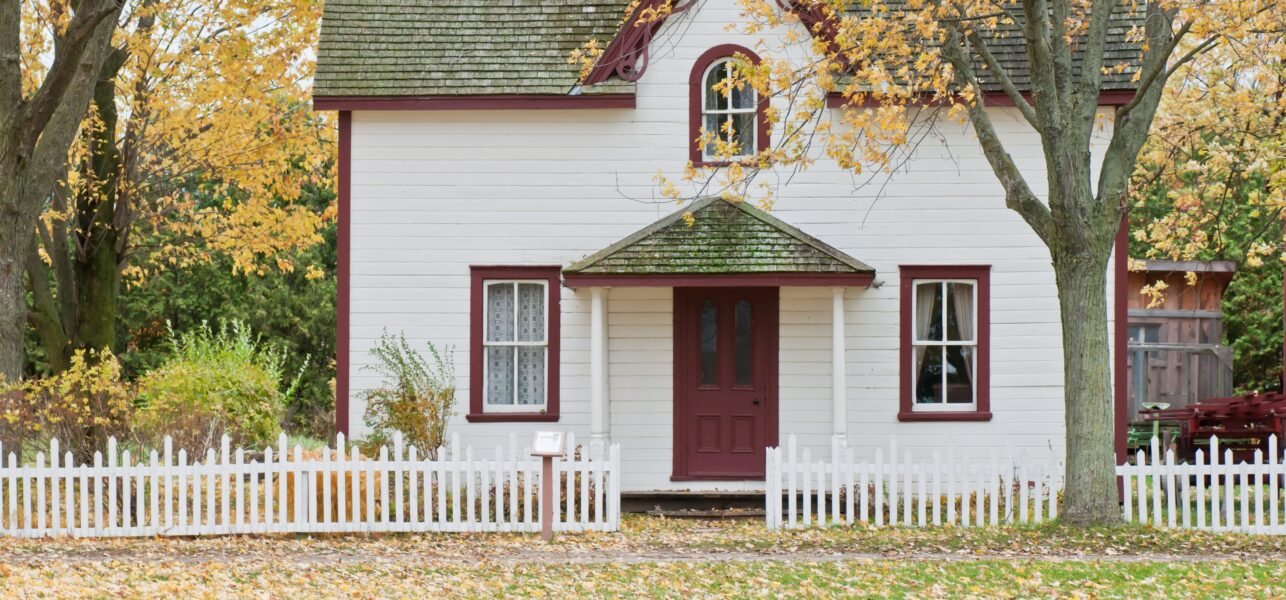 Buying an Older Home? Top 3 Pitfalls to Avoid